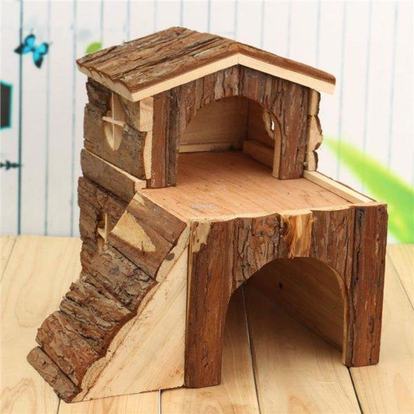Домик из дерева для крысы