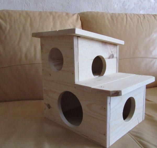 Двухэтажный домик для шиншилл