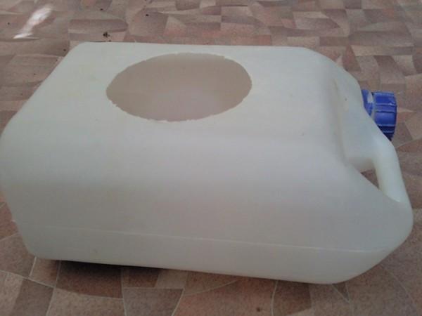 Купалка своими руками для шиншиллы из канистры